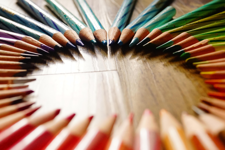 rainbow circle colored pencils